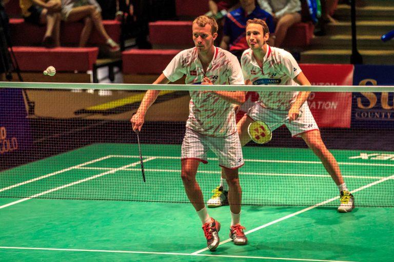 Comment bien s'échauffer avant de pratiquer le badminton ?